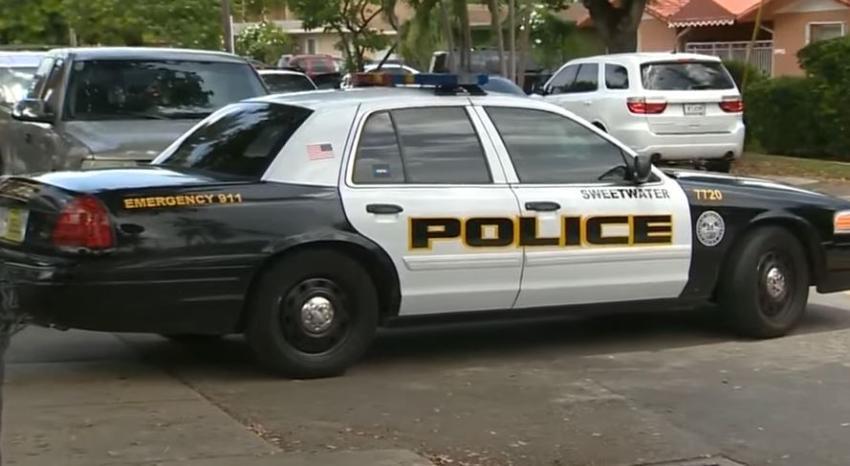Un policía de Sweetwater fuera de servicio es hospitalizado después de accidente en el suroeste de Miami-Dade