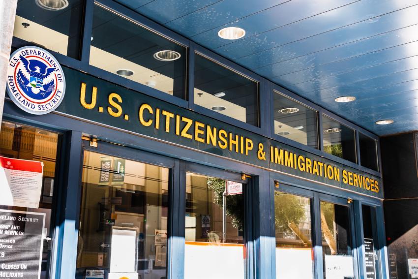 Abogada de inmigración aclara dudas sobre propuesta de Trump de establecer un sistema migratorio por mérito