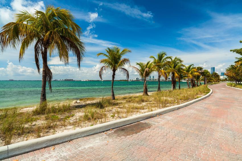 La ciudad de Miami impone nuevos horarios y restricciones para las playas