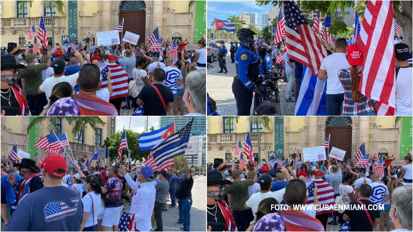 Cientos de cubanos en Miami dan gracias a Estados Unidos en la Torre de la Libertad