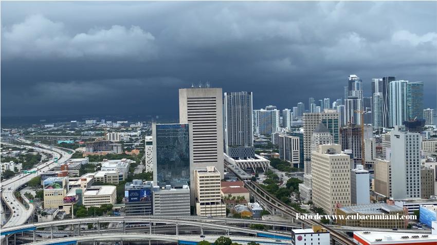 Gobernador de Florida declara estado de emergencia por el huracán Isaías