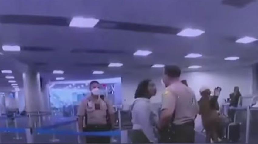 Fiscalía retira los cargos contra la mujer que fue golpeada por un policía en el aeropuerto de Miami