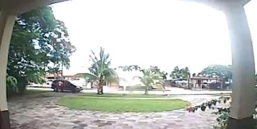 Captan en cámara un posible secuestro en Miami-Dade