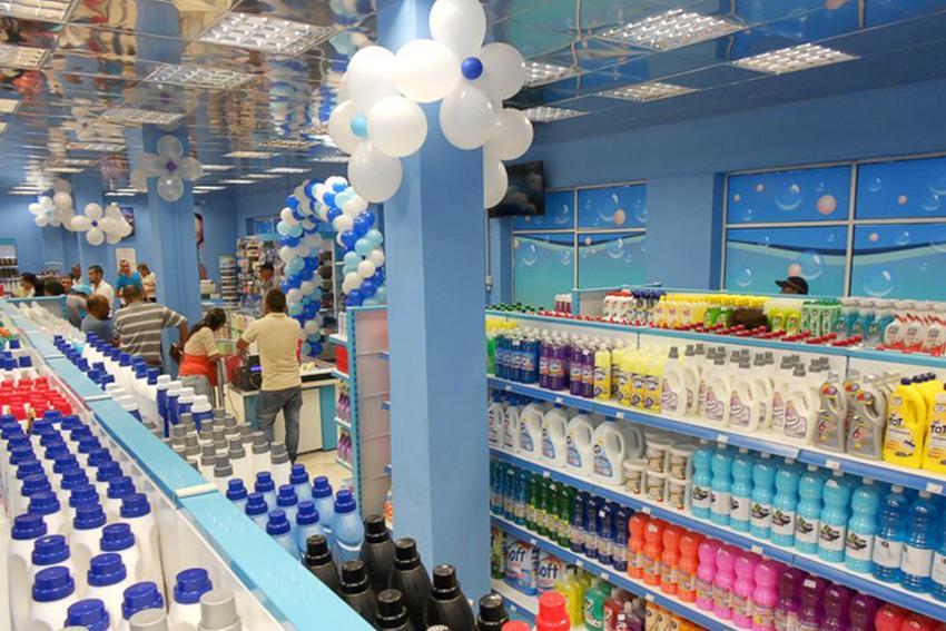 Los militares cubanos a punto de abrir sus tiendas para la venta de artículos de primera necesidad en dólares por toda la Isla