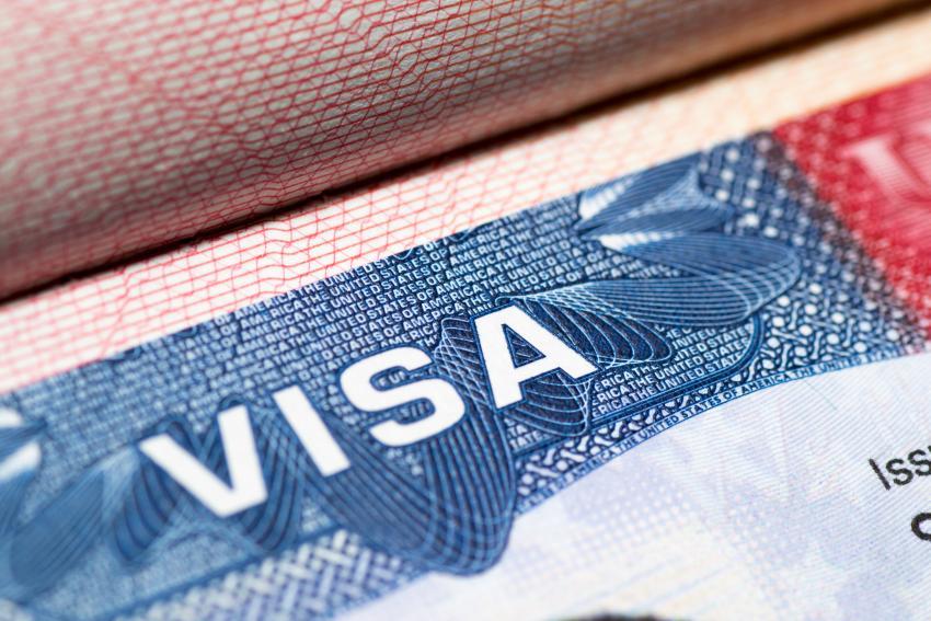 Estados Unidos reanuda de manera gradual los trámites de visas en sus embajadas y consulados por el mundo