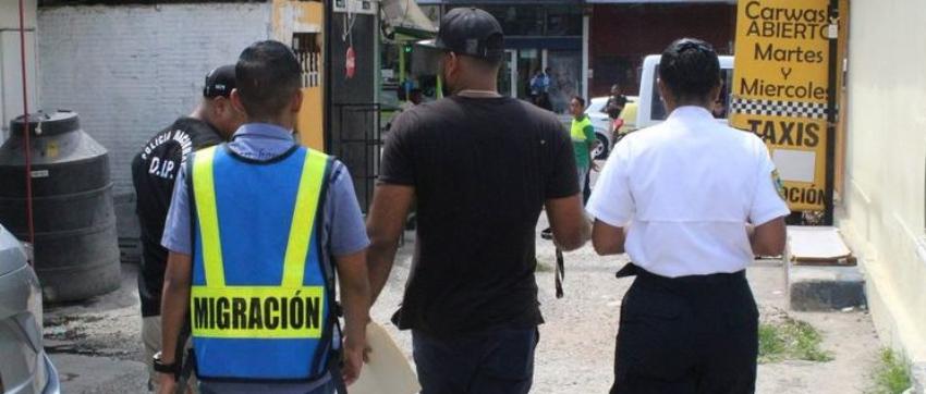 Un total de 27 cubanos fueron sancionados en Panamá por violar las leyes migratorias del país