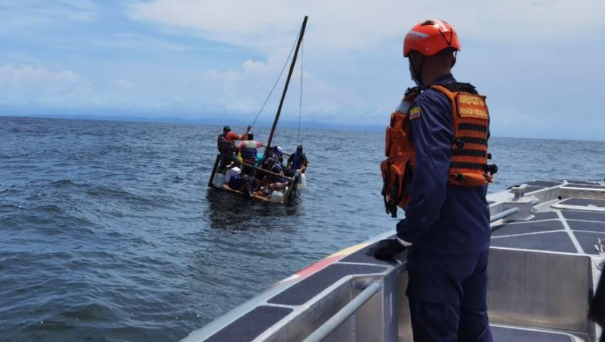 Colombia intercepta a balseros cubanos y venezolanos que intentaban llegar a Panamá