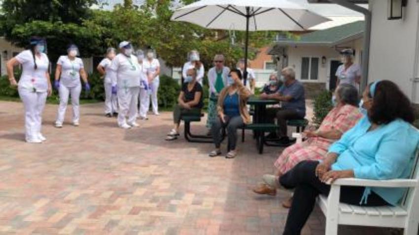 Equipo especial en Hialeah intenta frenar la propagación del Covid-19 en centros de ancianos