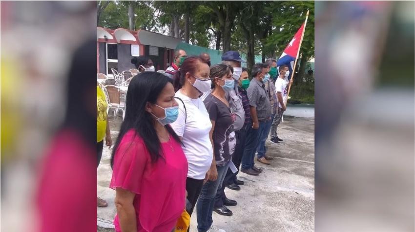 Gobierno de Cuba crea grupos para enfrentar coleros y revendedores en Holguín