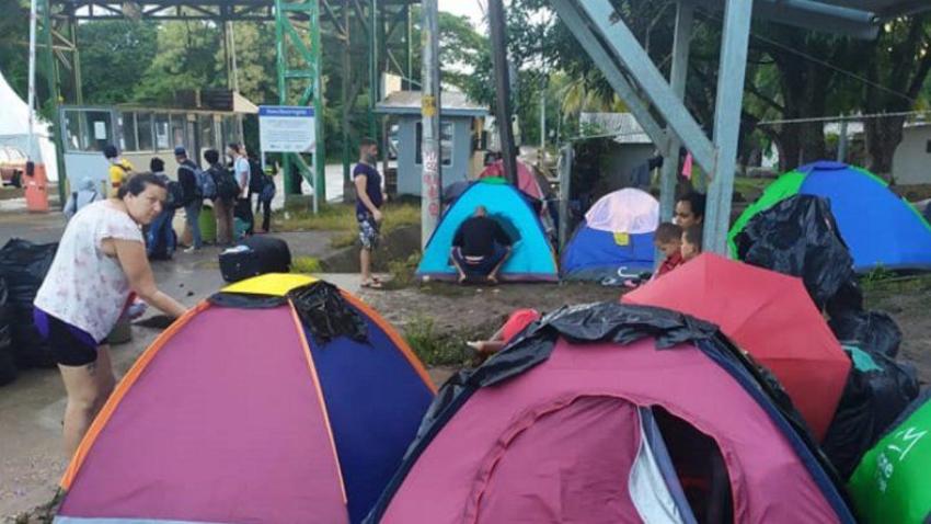 Costa Rica concedió refugio expedito a 32 migrantes cubanos, más de 300 permanecen en la frontera
