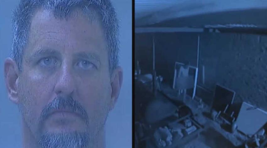 Hombre de Florida es arrestado por golpear desnudo en la ventana del cuarto de una niña 7 años