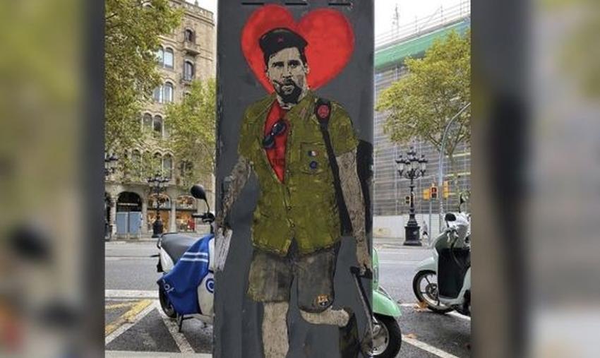 """Pintan mural en Barcelona con Messi como si fuera el Ché Guevara con el mensaje: """"Hasta siempre comandante"""""""