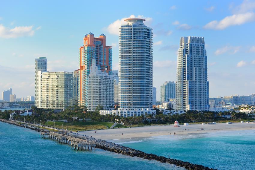 Sitios de viajes reportan interés de turistas en Florida a pesar de los casos de coronavirus