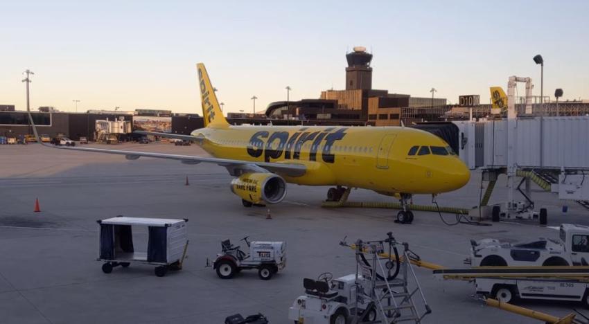 Caos por retrasos en los vuelos de Spirit Airlines en el Aeropuerto Internacional de Fort Lauderdale-Hollywood