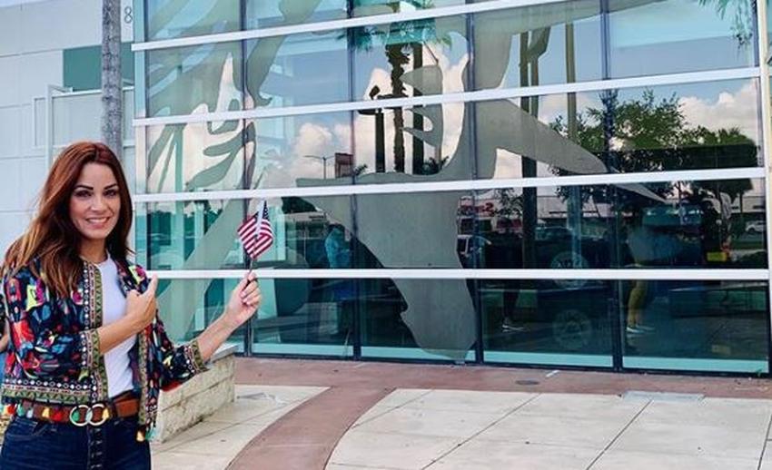 Actriz cubana Yory Gómez se hace ciudadana estadounidense y agradece EEUU por abrirle las puertas