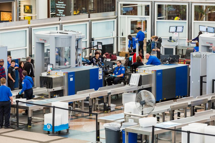 A partir del próximo lunes EEUU eliminará chequeos adicionales a pasajeros de algunos vuelos internacionales