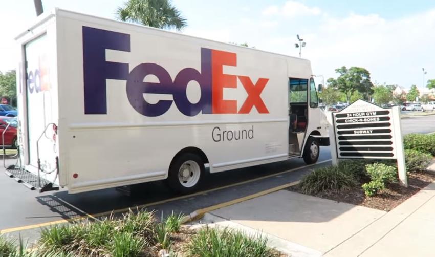 FedEx anuncia que contratará a 70.000 empleados para fin de año