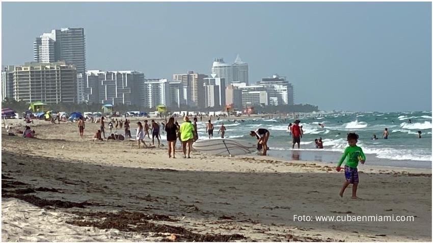 Autoridades de Miami piden a los residentes no bajar la guardia durante el fin de semana feriado