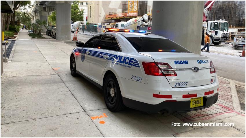 Policía de Miami incrementa la presencia en los centros de votación adelantada