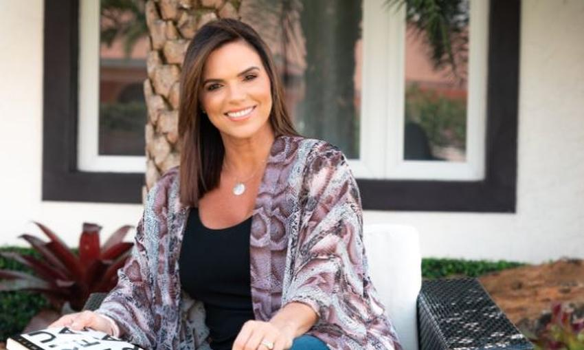 Presentadora cubana Rashel Díaz comienza programa en Facebook después de su despido de Telemundo