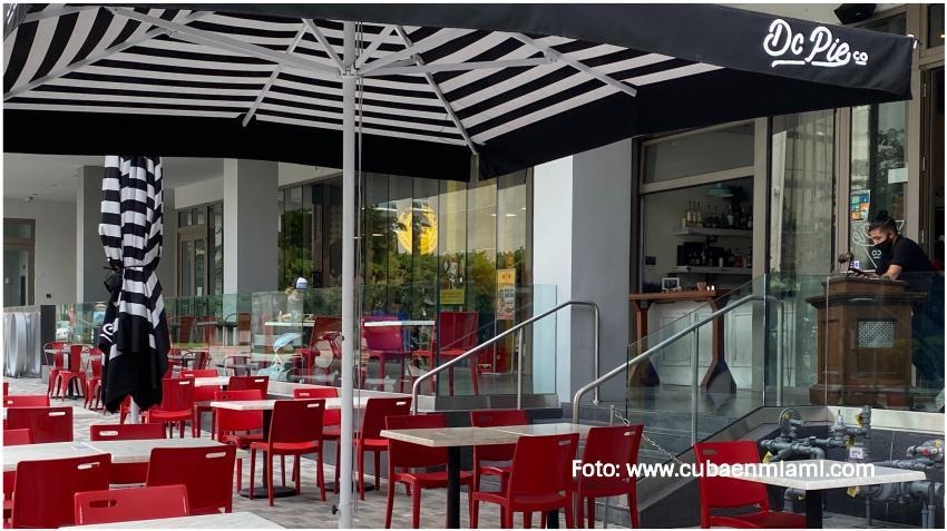 Ciudad de Miami permite capacidad de 100% en los restaurantes y no hará cumplir el toque de queda de las 11:00 pm