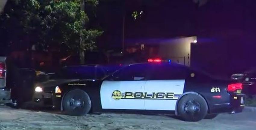 Un conductor que dejaba a una mujer en vecindario del sur de la Florida muere baleado en un intento de robo