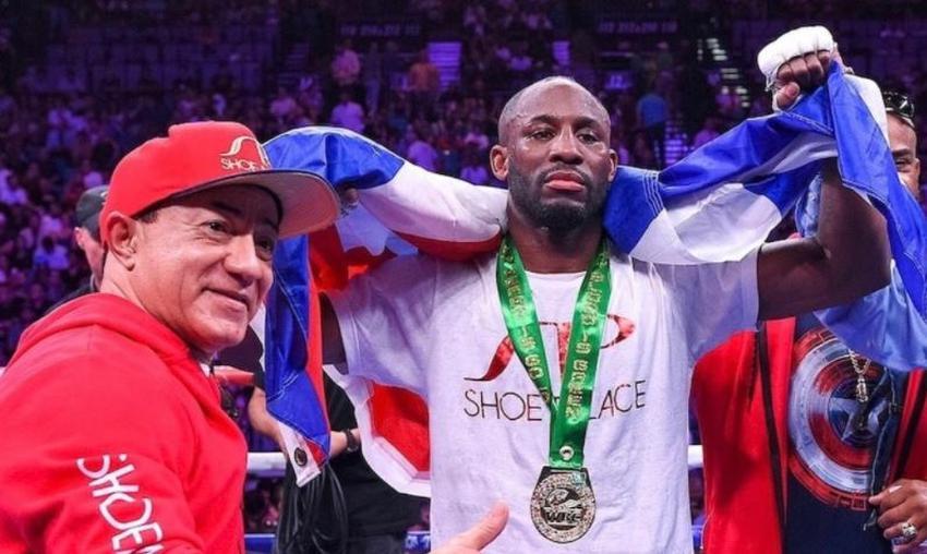 Boxeador cubano Yordenis Ugás vence en su pelea y se convierte en Campeón del Mundo