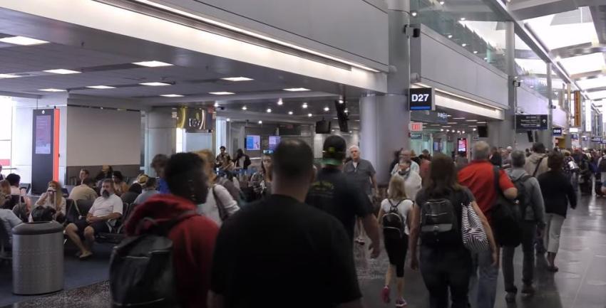 Aumenta el tráfico en los aeropuertos de Estados Unidos tras meses de pandemia