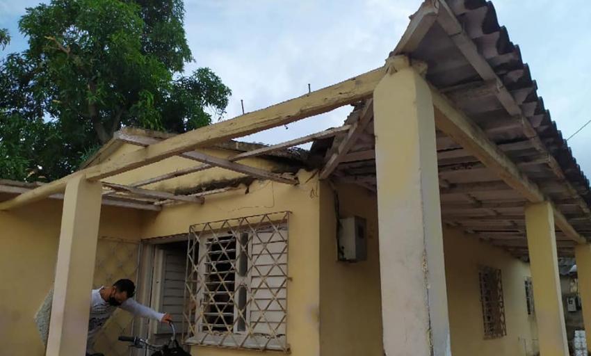 Viviendas seriamente afectadas en San Cristóbal, Artemisa, a causa de un tornado que azotó el fin de semana