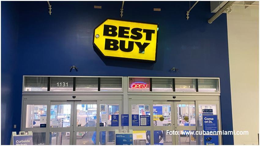 Best Buy reporta su mejor trimestre en 25 años por aumento de ventas debido a que las personas pasan más tiempo en casa por la pandemia