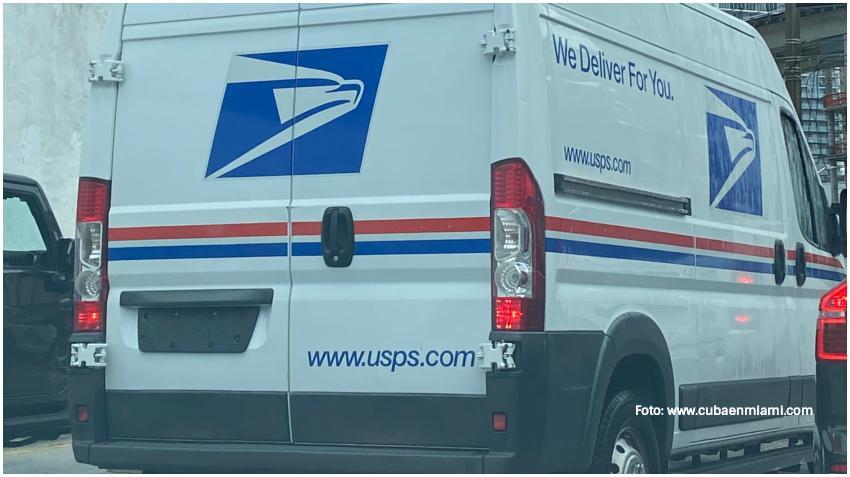 Arrestan a trabajador del correo en Miami-Dade por robar boletas de votación y tarjetas de débito