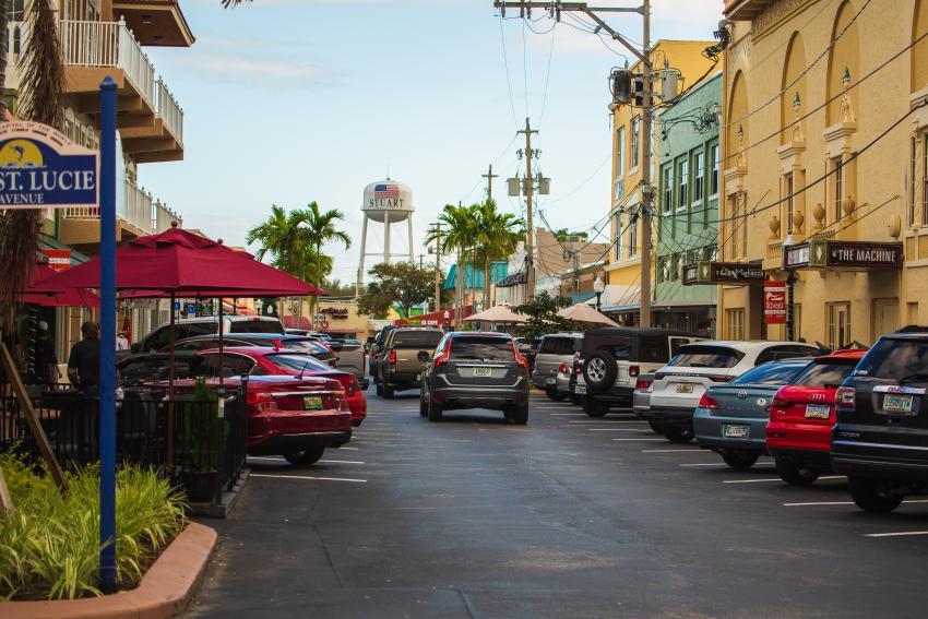 """Downtown Stuart recibe premio """"Espectaculares lugares de Florida"""" por séptima vez"""