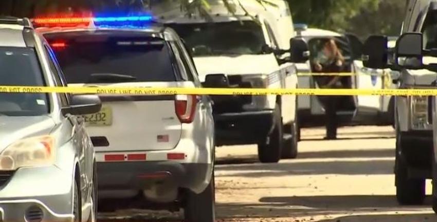 Una mujer encuentra a su padre apuñalado sin vida en una casa del suroeste de Miami Dade