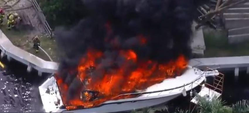 Reportan voraz incendio en un bote en Fort Lauderdale tras una explosión