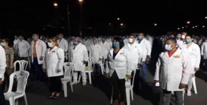 Profesionales de la salud cubanos abandonan la misión médica del régimen en Venezuela