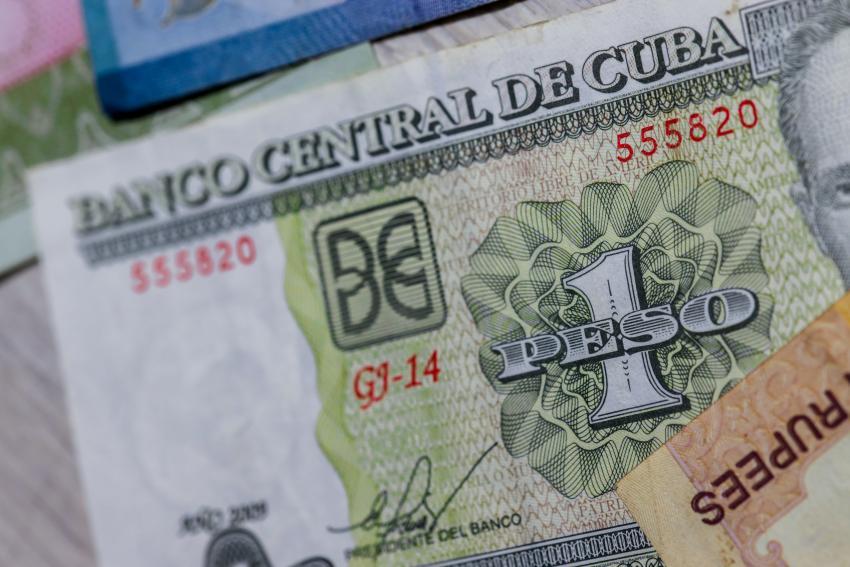 Salarios en Cuba crecerán 4.9 veces con la unificación monetaria, anuncia el régimen