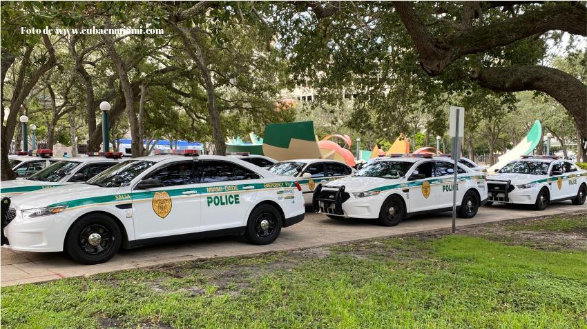 Alcalde de Miami-Dade aplaza el toque de queda de las 11 p.m. a la medianoche