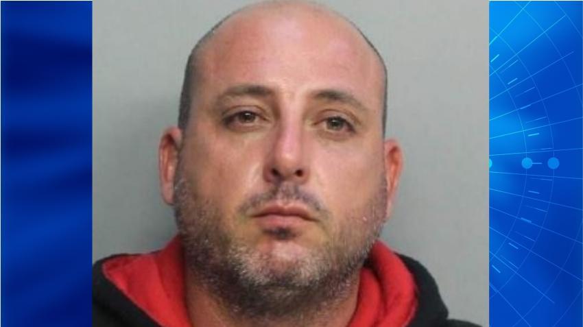 Un hombre de Miami apuñala a su esposa 11 veces tras acusarla de serle infiel