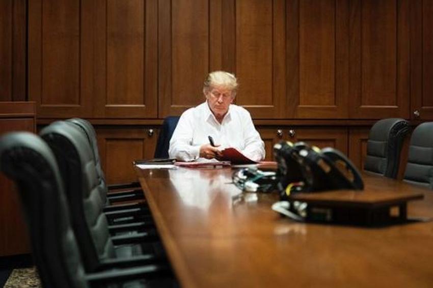 Trump anuncia que saldrá del hospital hoy en la noche