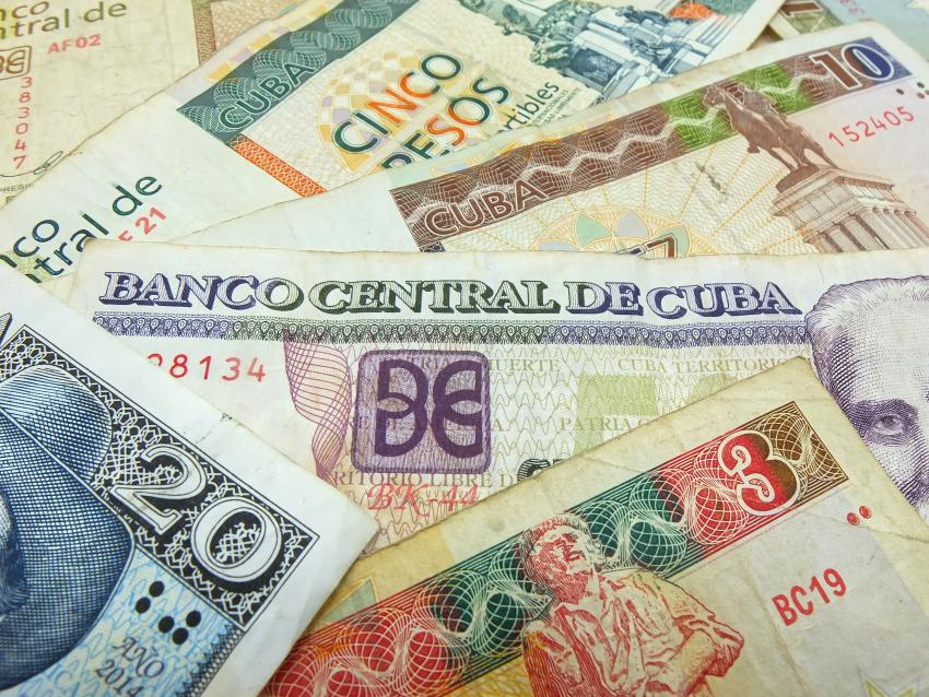 Advierten sobre devaluación alta del peso cubano y una posible inflación con el proceso de unificación de la moneda