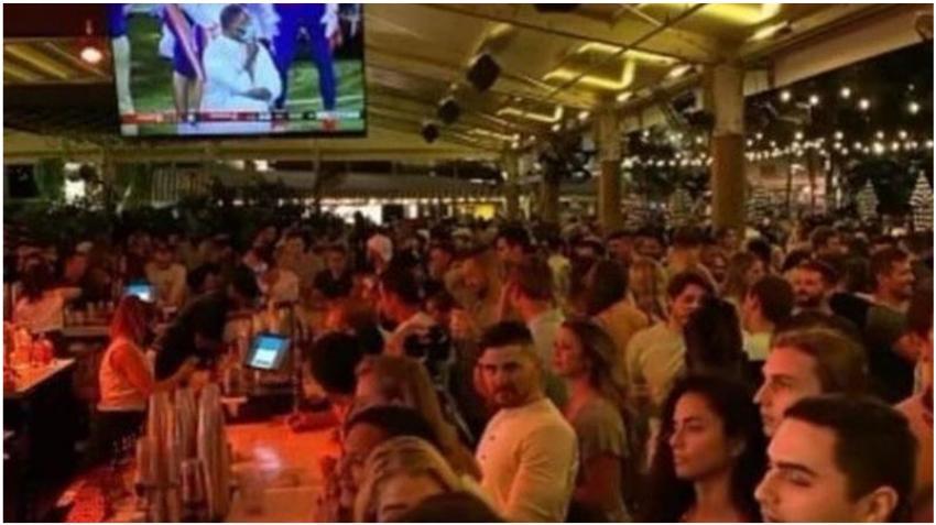Cierran conocido bar en el Sur de la Florida después de que saliera a la luz imagen con el lugar lleno de personas sin máscara