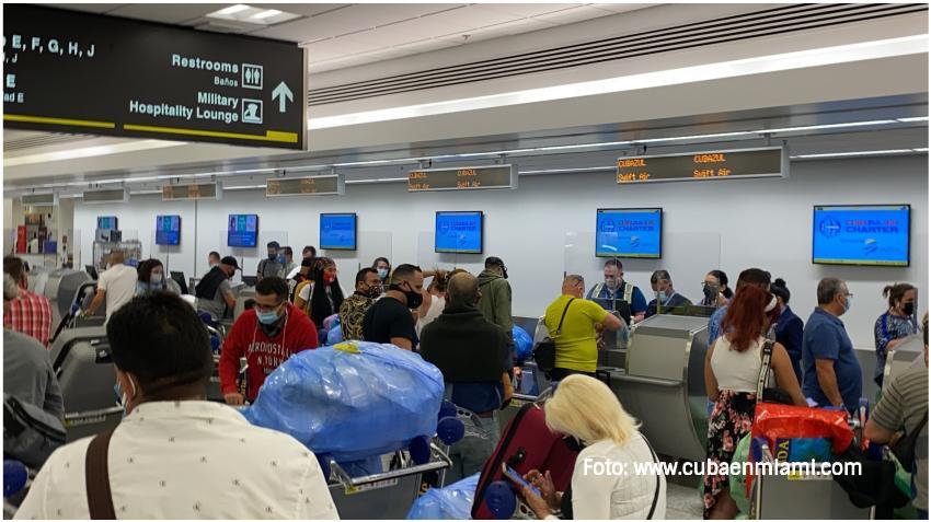 Prensa oficialista culpa a los viajeros internacionales del rebrote de Covid-19 en Santiago de Cuba