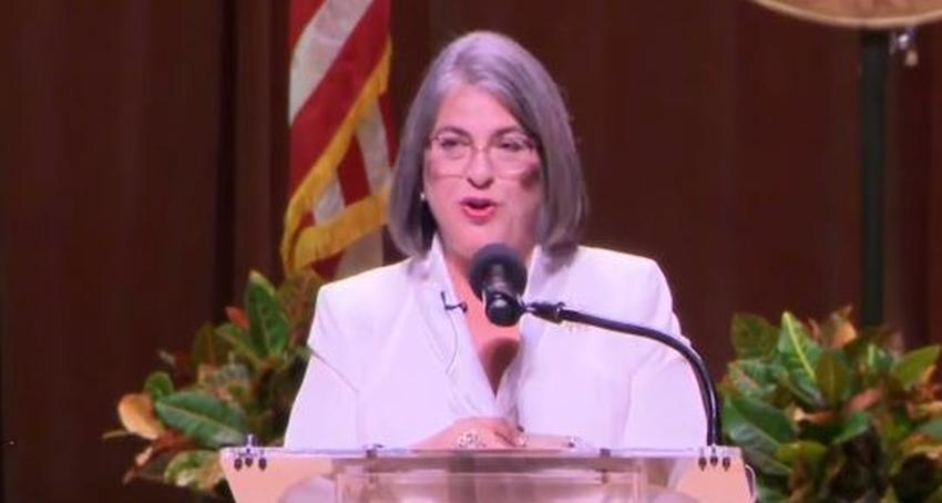 Alcaldesa de Miami Dade, Daniella Levine Cava, anuncia que se rebajará su salario un 20%