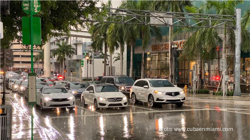 Tormenta Fred apunta a Florida y otro sistema tropical le sigue más atrás