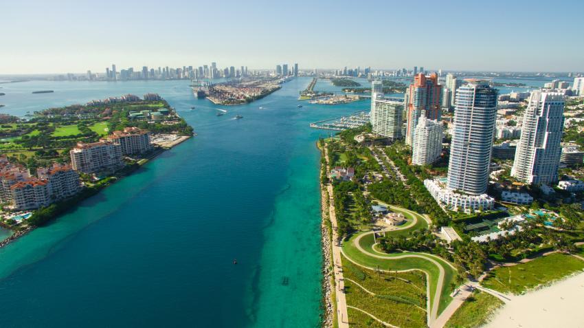 Parte de Miami Beach está bajo aviso de No Nadar por escape de agua residuales en la Bahía de Biscayne