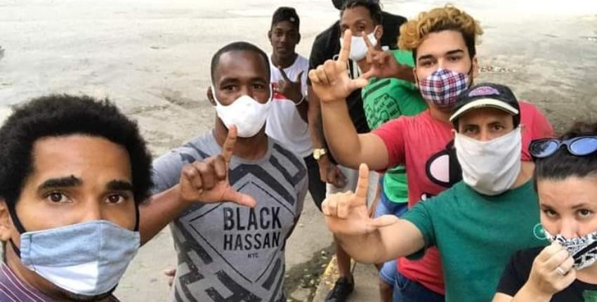 Una decena de activistas del Movimiento San Isidro que están bajo asedio policial,  se encuentran en huelga de hambre
