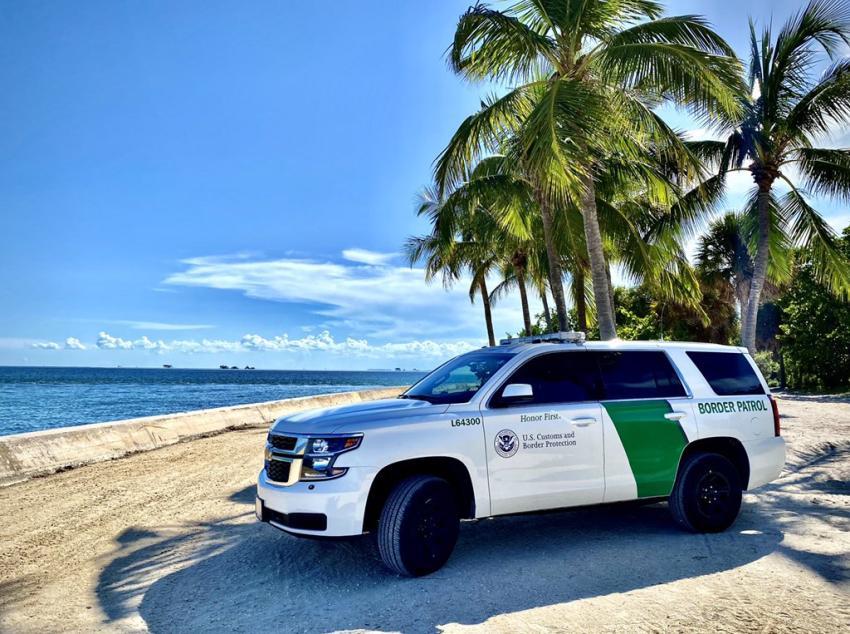 Detienen a otros 6 balseros cubanos tras tocar tierra en los Cayos de la Florida