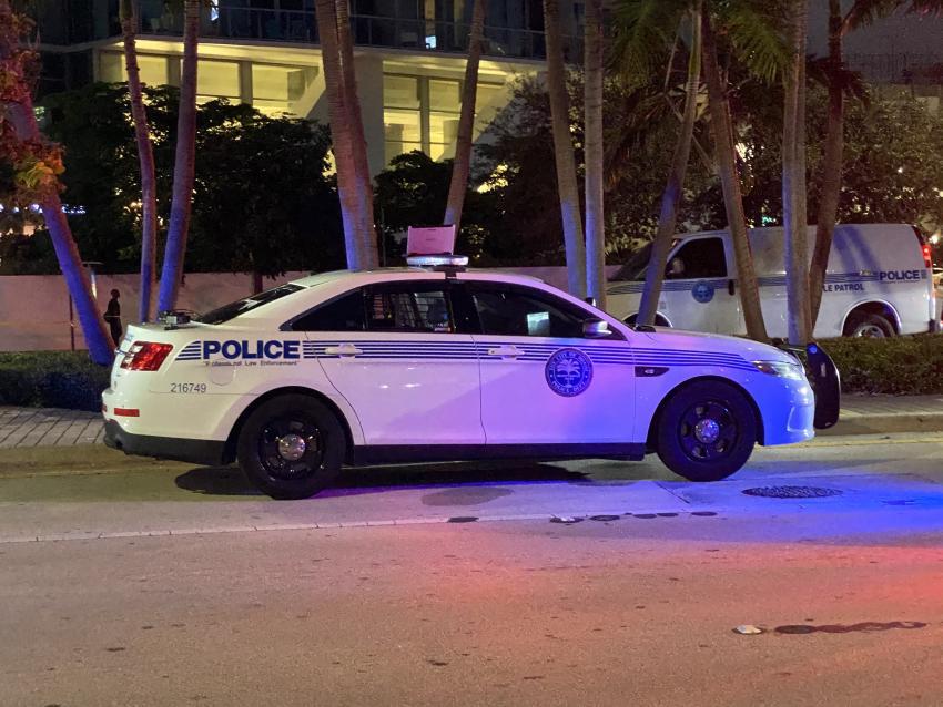 Policía investiga una posible amenaza de bomba en el Miami Dade College en el Downtown y en Bayside