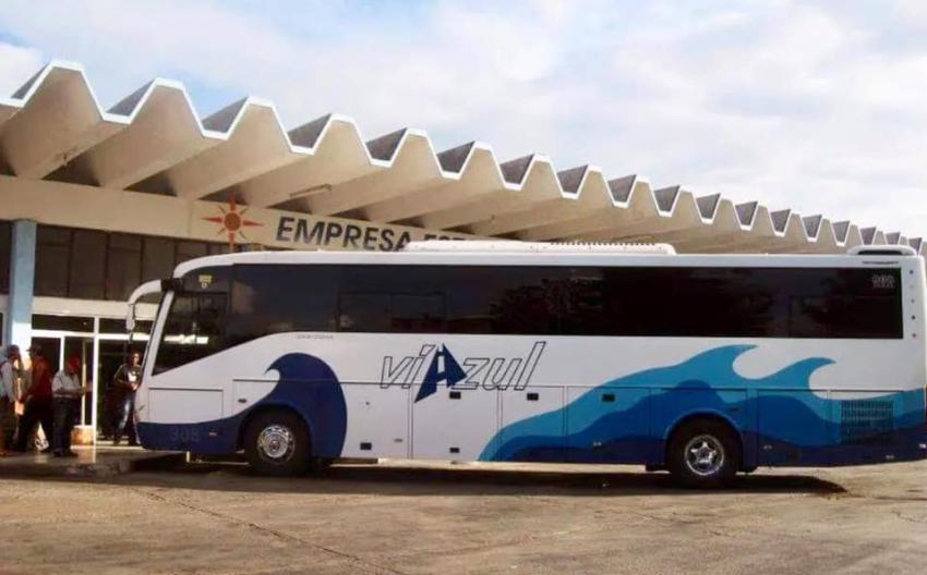 Cubano se pregunta por qué sus dólares no sirven, luego de que no pudiera sacar  pasaje de un ómnibus Viazul