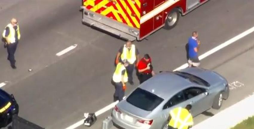 Investigan disparos contra un conductor en el Dolphin Expressway en Miami